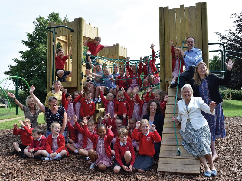 Pupils and Mayor at the new playground