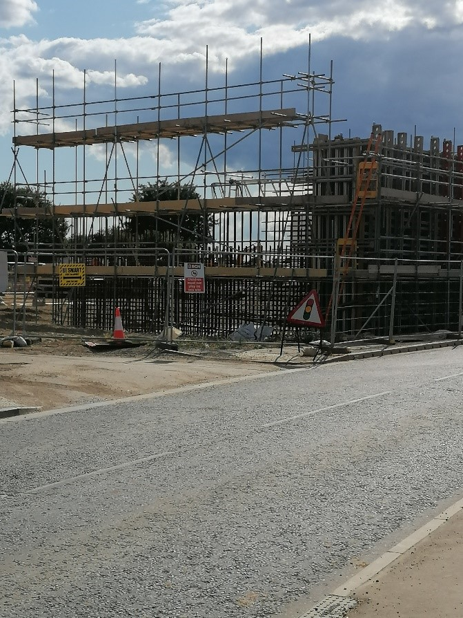 Photo of bridge works on South side of Toddington Lane